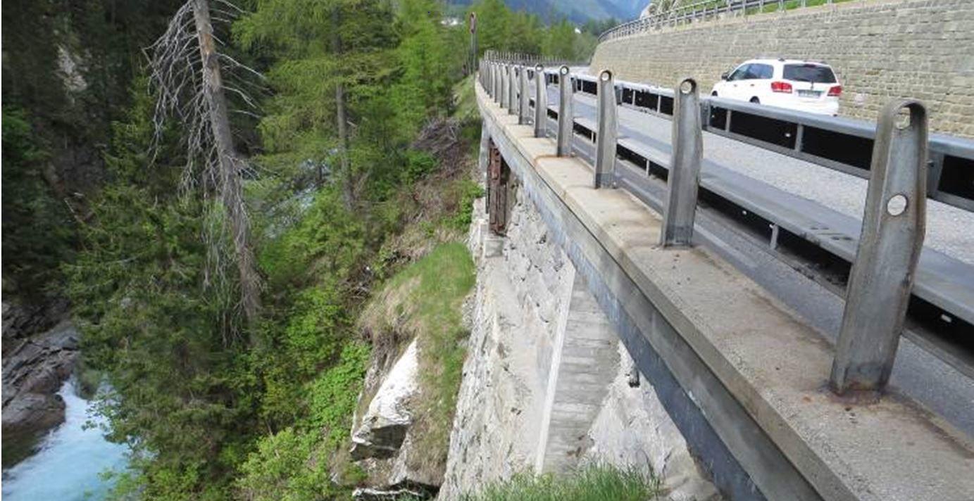 Lehnenbrücke Burgruine Splügen