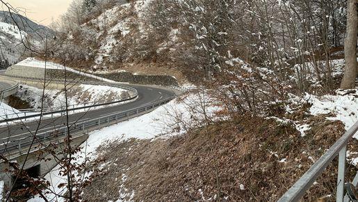 """Beispiel Gefahrenstelle Hochwasser/Murgang """"Ragoztobel"""": Bei grösseren Hochwasserereignissen kann die Kantons- und Nationalstrasse gefährdet sein."""