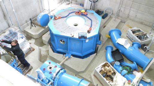 Montage der Maschinengruppe KWKW Tschar